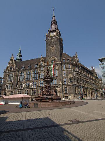 Totalitäre Zustände: Patrioten werden des Elberfelder Rathauses verwiesen!